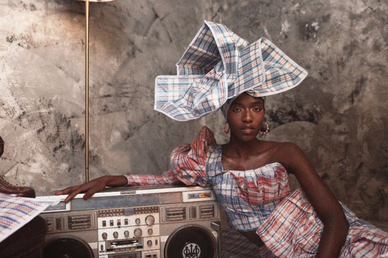 Nigerian photographer Obinna Obioma is using creative ways to display an iconic West African plastic bag to reflect on migration.