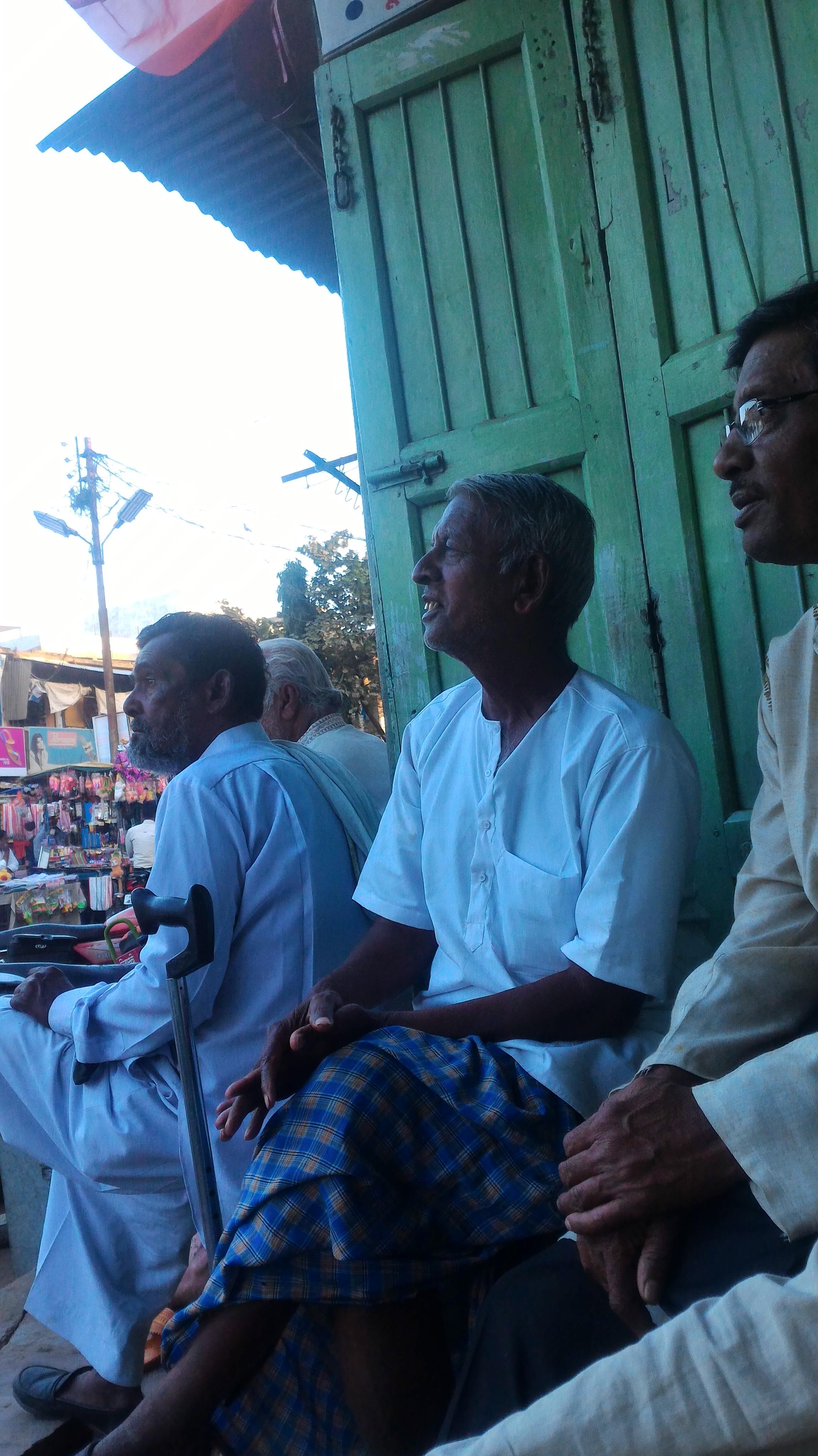 Radheyshyam Gupta (Centre) in conversation with the local Researcher Narendra Maurya (Right)